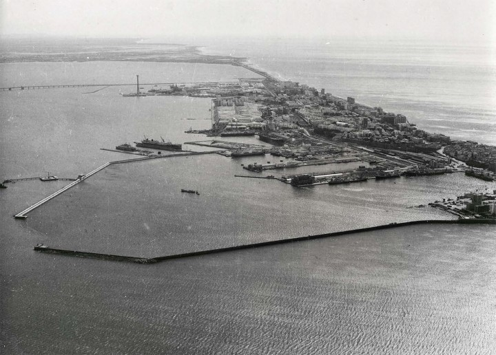 Tiempos de amarras. Una mirada patrimonial al paisaje cultural de Cádiz y Montevideo