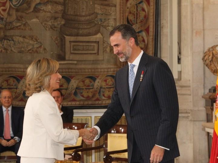 Ángeles Martín Prats, condecorada por el Rey Felipe VI