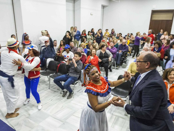 La colonia dominicana en Cádiz celebra los 175 años de su independencia